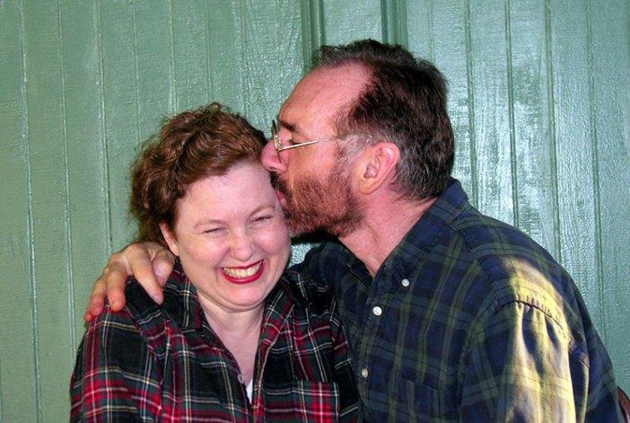 ron-Jill-kiss-large